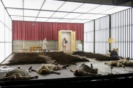 """""""die unverheiratete"""" von Ewald Palmetshofer am Akademietheater (c) Georg Soulek"""
