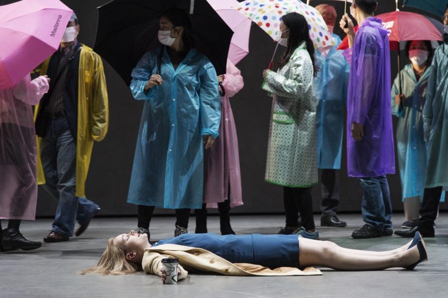 """""""Die Stunde da wir nichts voneinander wussten."""" im Theater an der Wien. (Foto: Armin Smailovic)"""