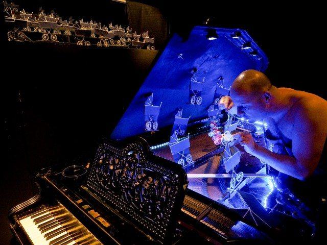 Bartolo Musil in die Brüste des Tiresias (c) Armin Bardel
