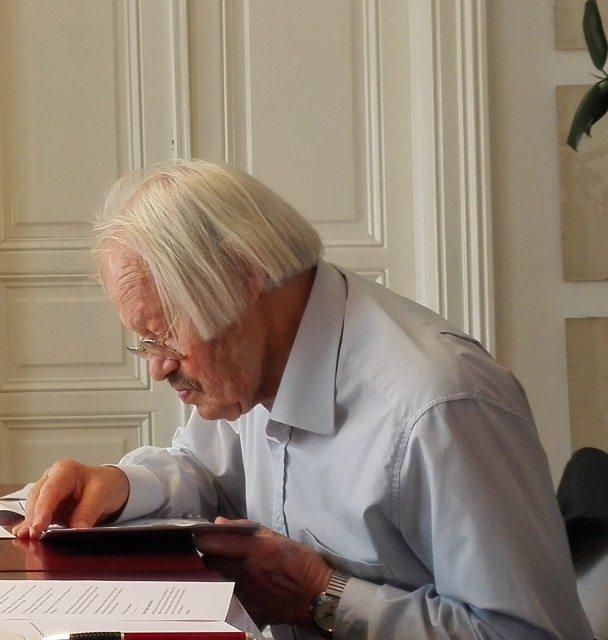 Friedrich Cerha bei einer Jurysitzung für einen Kompositionspreis Juni 2015 (c) Jeunesse